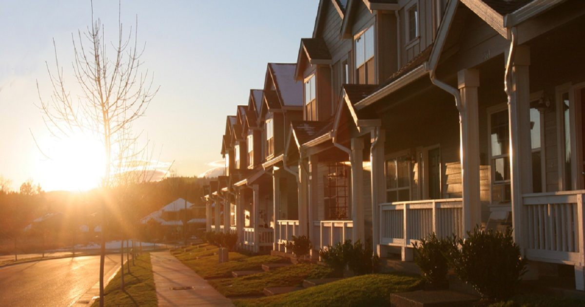 U.S. Homeowners Staying in Homes 5 Years Longer Than in 2010